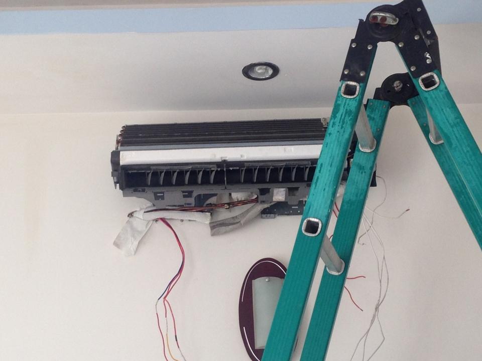 Sửa máy lạnh ở BÌnh Dương bất chấp bọn phản động