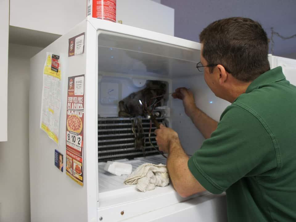 Thợ sửa tủ lạnh giỏi tại Dĩ An