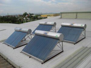 Sửa máy nước nóng năng lượng mặt trời ở Bình Dương