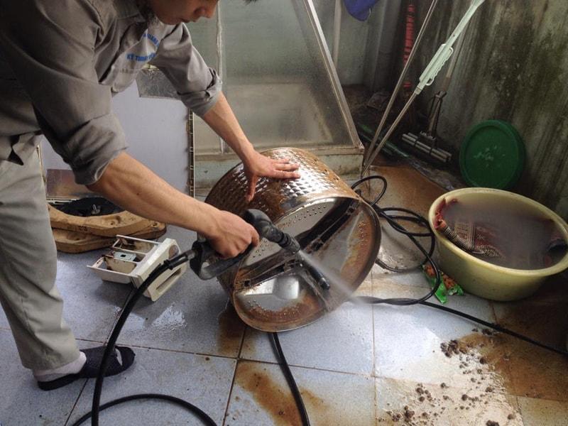 Máy giặt siêu bẩn cần vệ sinh bảo dưỡng định kỳ